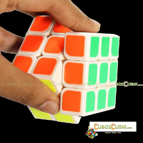 Cubos Rubik YJ Moyu Weilong V2 3x3 54.5mm Mini Base Blanca