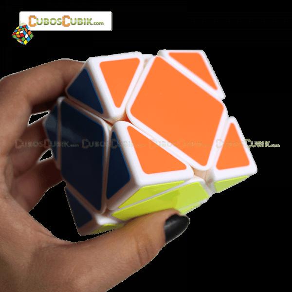Cubos Rubik Yj Moyu Guanlong Skewb Base Blanca